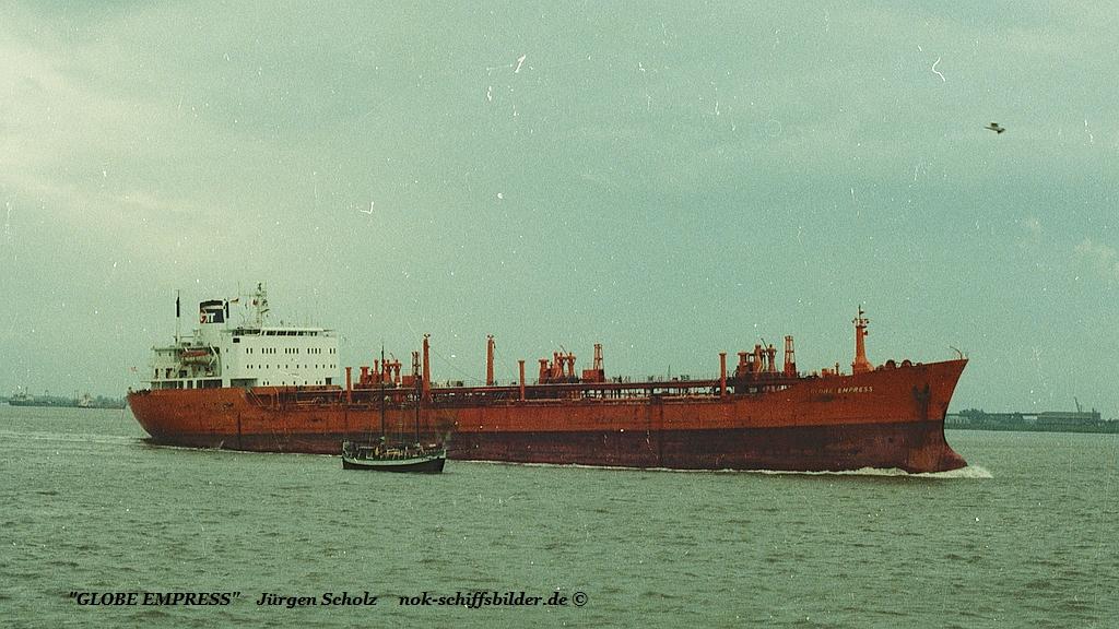 GLOBE EMPRESS Imo 7052129 Weser Bremerhaven 10.1983.jpg