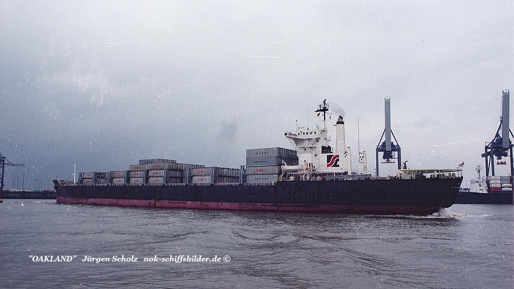 OAKLAND Weser Bremerhaven 04.1983.jpg