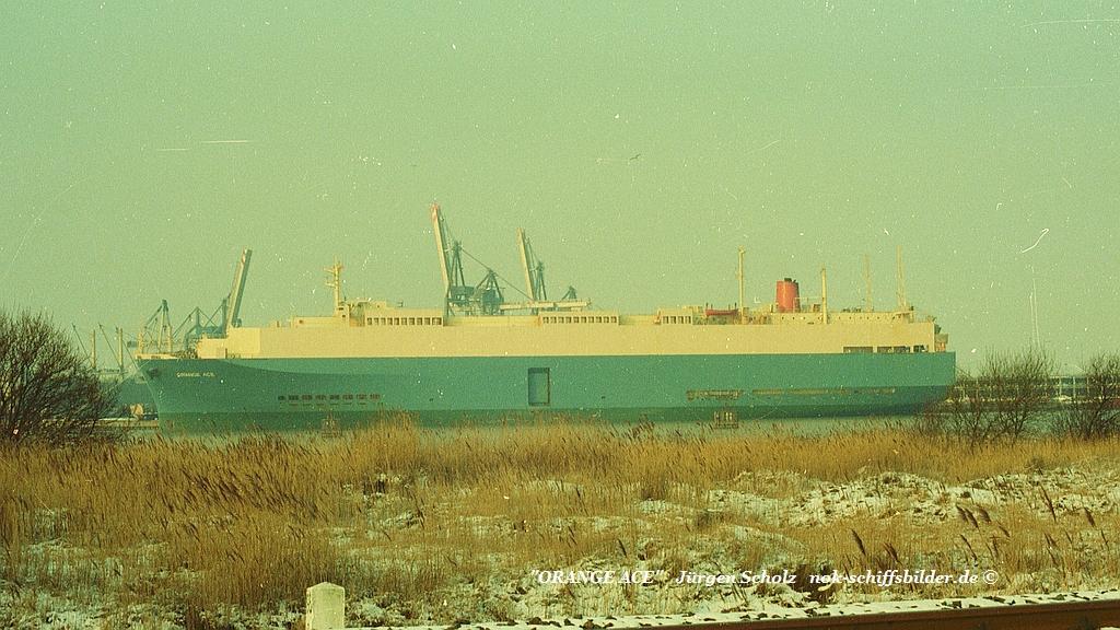 ORANGE ACE Bremerhaven 02.1983.jpg
