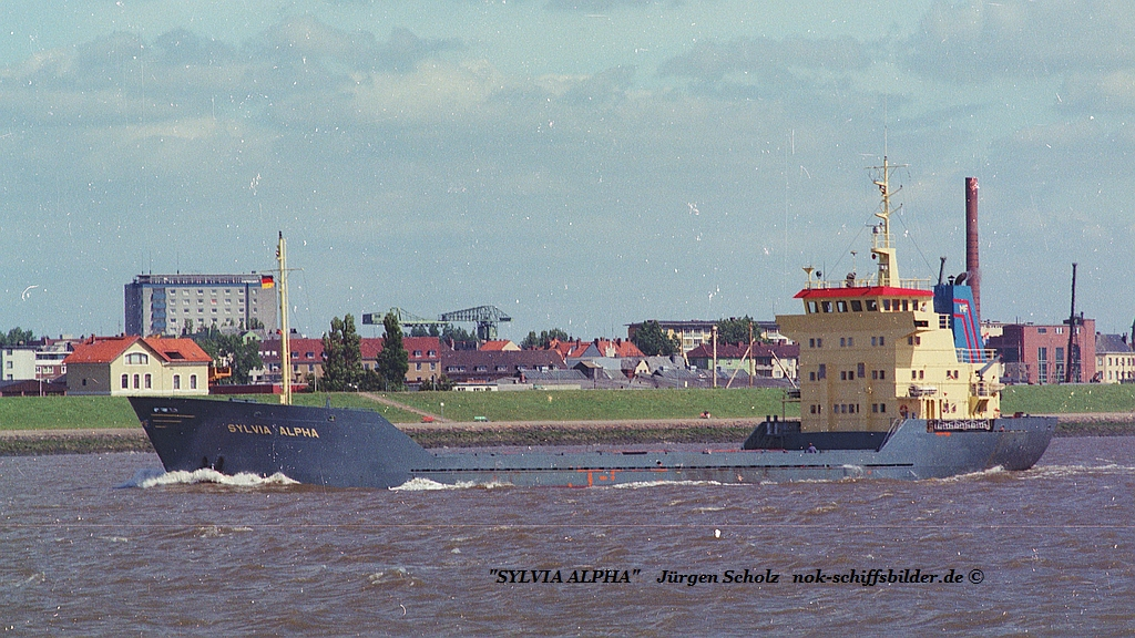 SILVIA ALPHA  Weser Bremerhaven 07.1983.jpg
