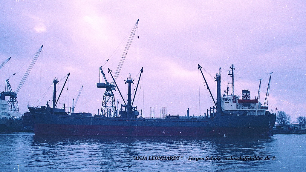 ANJA LEONHARDT  Bremerhaven 02.1983.jpg