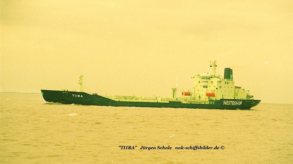 TIIRA Weser Bremerhaven 02.1989.jpg
