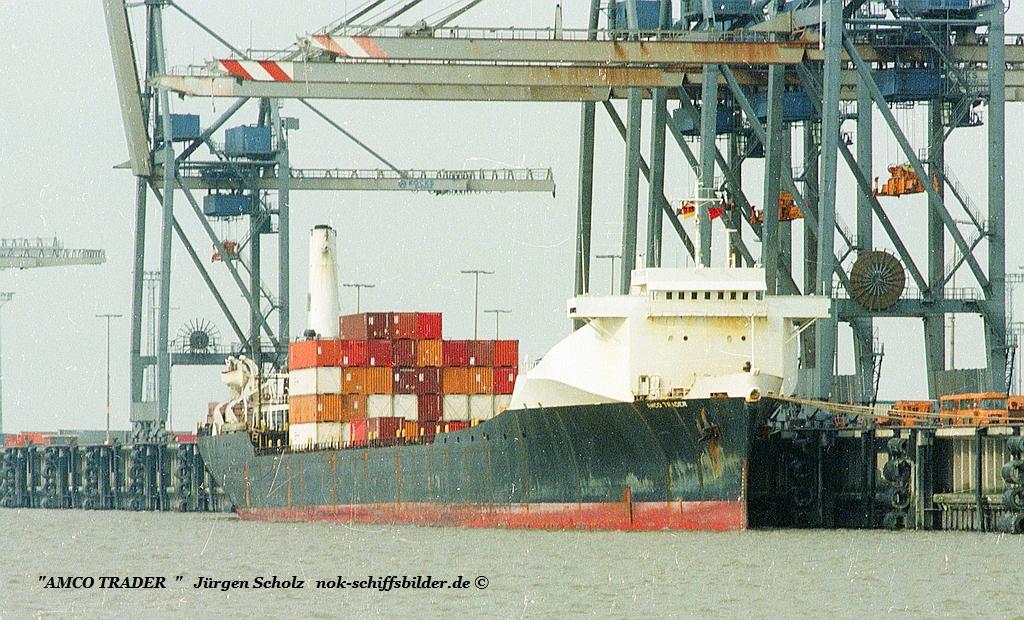 AMCO TRADER - IMO 6904868 Bremerhaven 03.1983.jpg