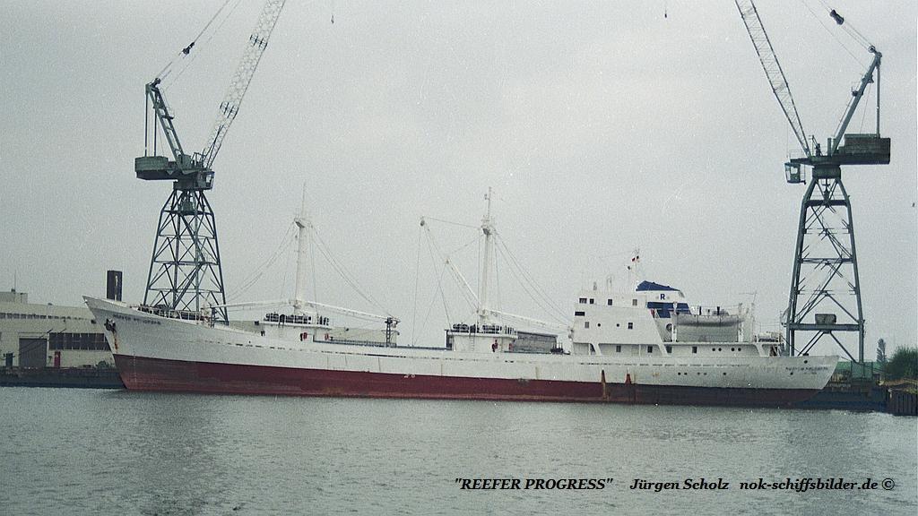 REEFER PROGRESS Bremerhaven  09.07.1990.jpg