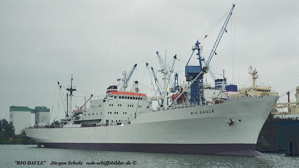 RIO DAULE Bremerhaven 29.07. 1990.jpg