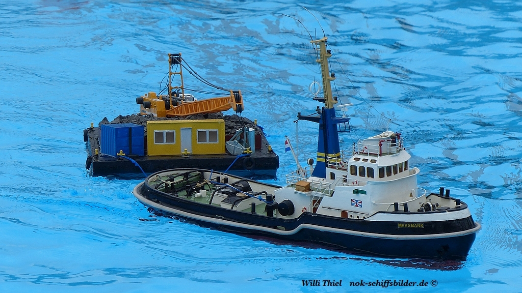 MAASBANK mit Barge Aukrug 09.09.2017 1.jpg