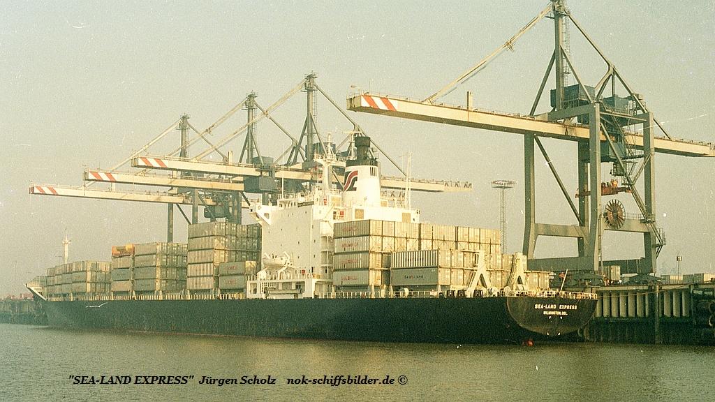 SEE-LAND EXPRESS Bremerhaven 11.1983.jpg