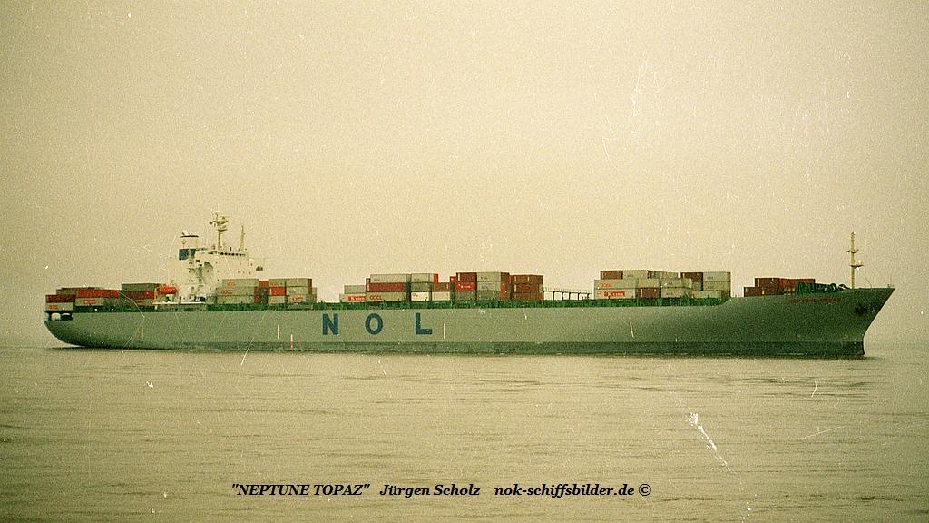 NEPTUNE TOPAZ Imo 8710716 - Weser Bremerhaven 1.1990.jpg