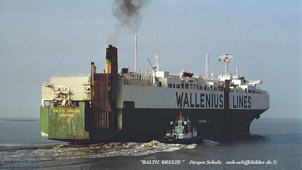 Baltic Breeze   Weser Bremerhaven 90er jahre.jpg