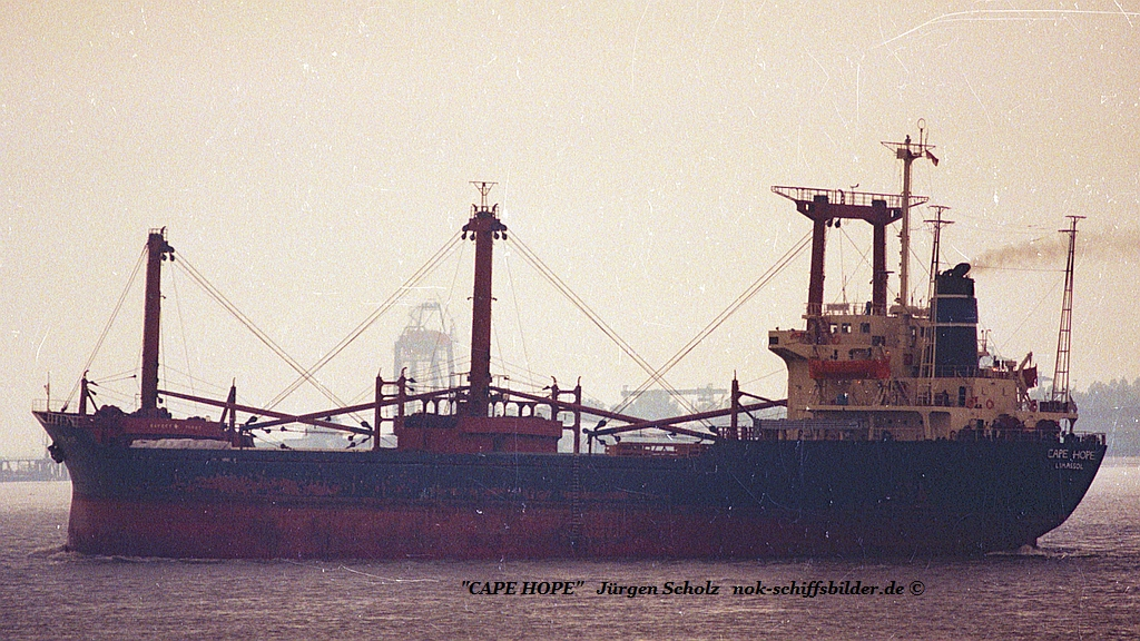 CAPE HOPE Weser Bremerhaven 07.1987.jpg