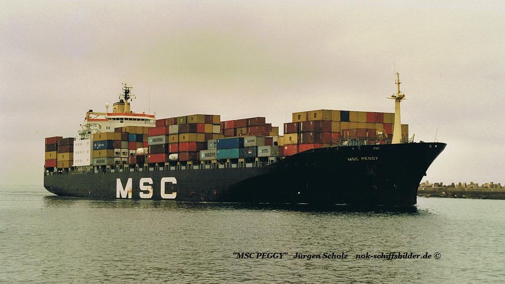 MSC PEGGY Einl. Durban 01.2003.jpg