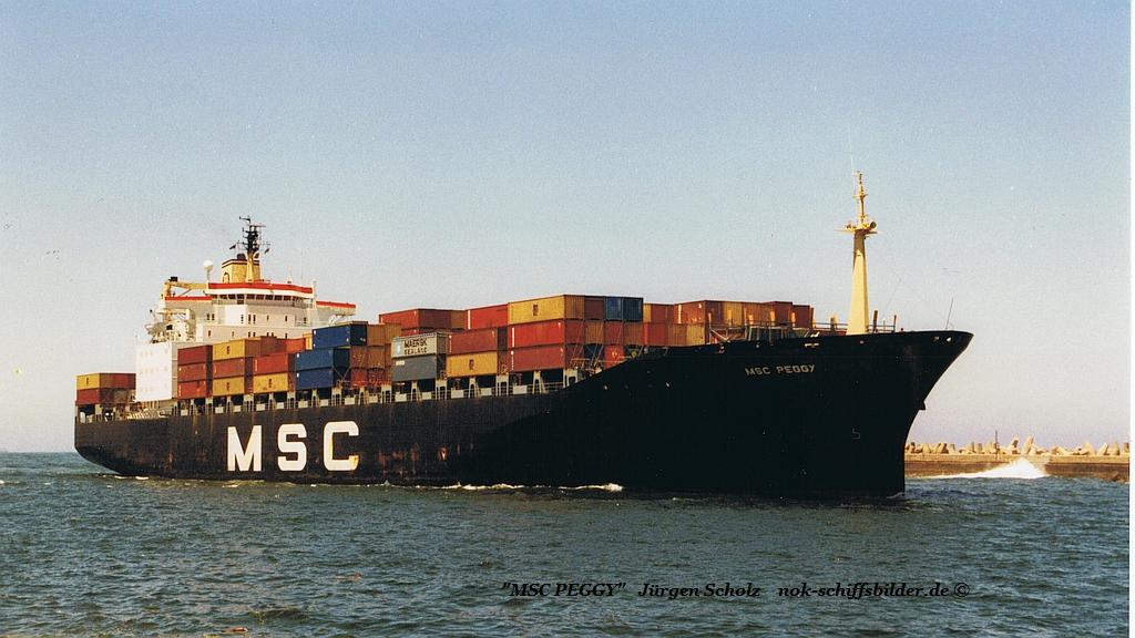 MSC PEGGY Einl. Durban 12.2001.jpg