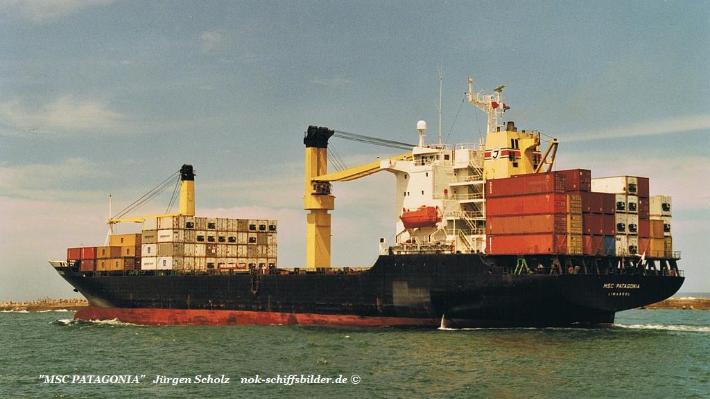 MSC PATAGONIA ausl. Durban 12.2002.jpg