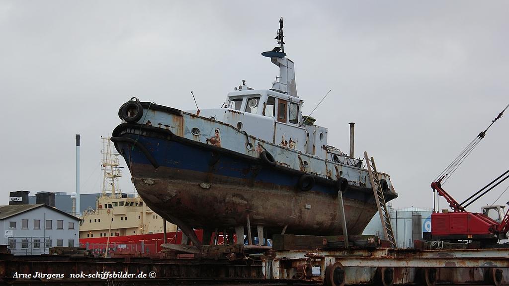 kleiner Hafenschlepper Kl 723 ex Y812 LÜTJE HÖRN   0341 11.12.20ß10.jpg