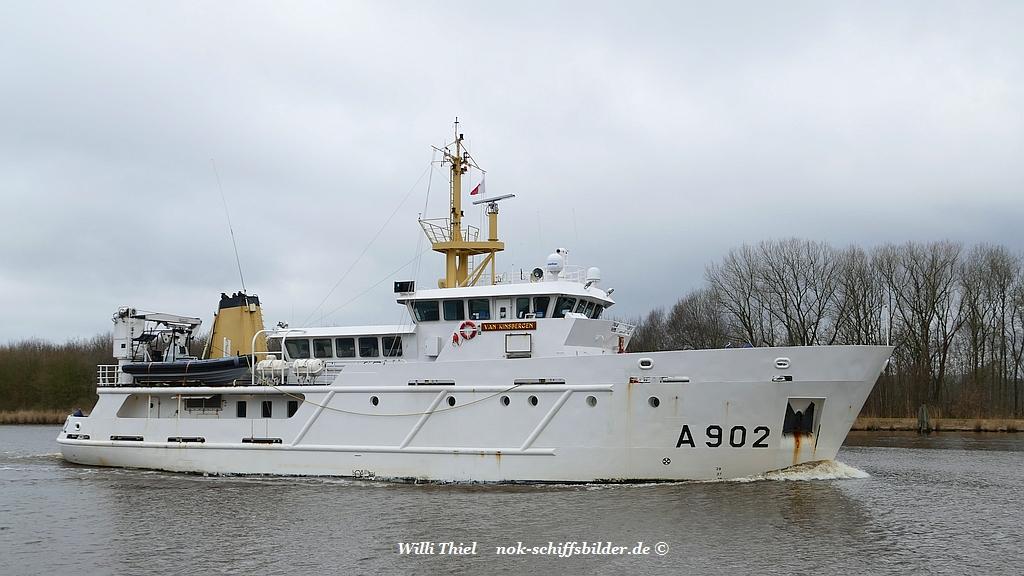 VAN KINSBERGEN A902