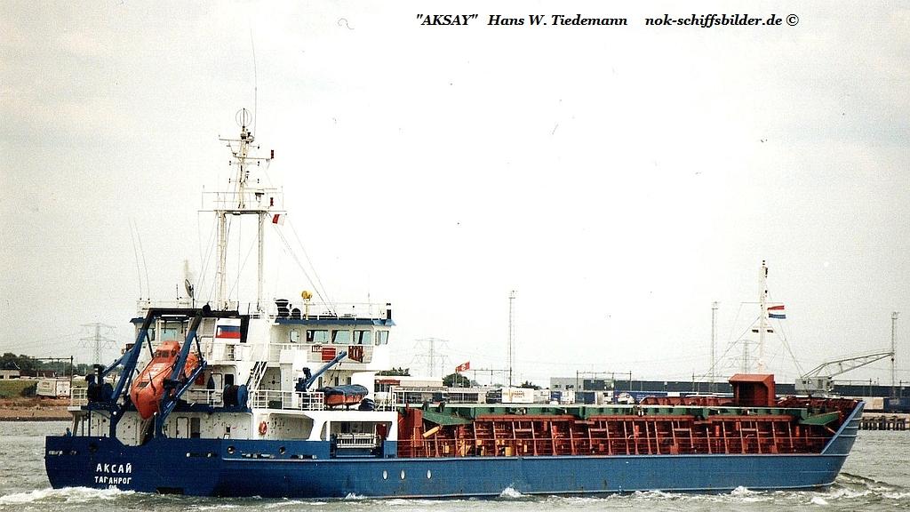 Aksay, RUS, IMO 8866735 - 25.07.03 N.W..jpg