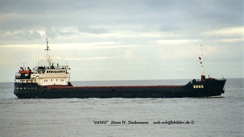 Janis, RUS, -75, 2.451 gt, IMO 8875530 - 17.12.00 Cux.jpg
