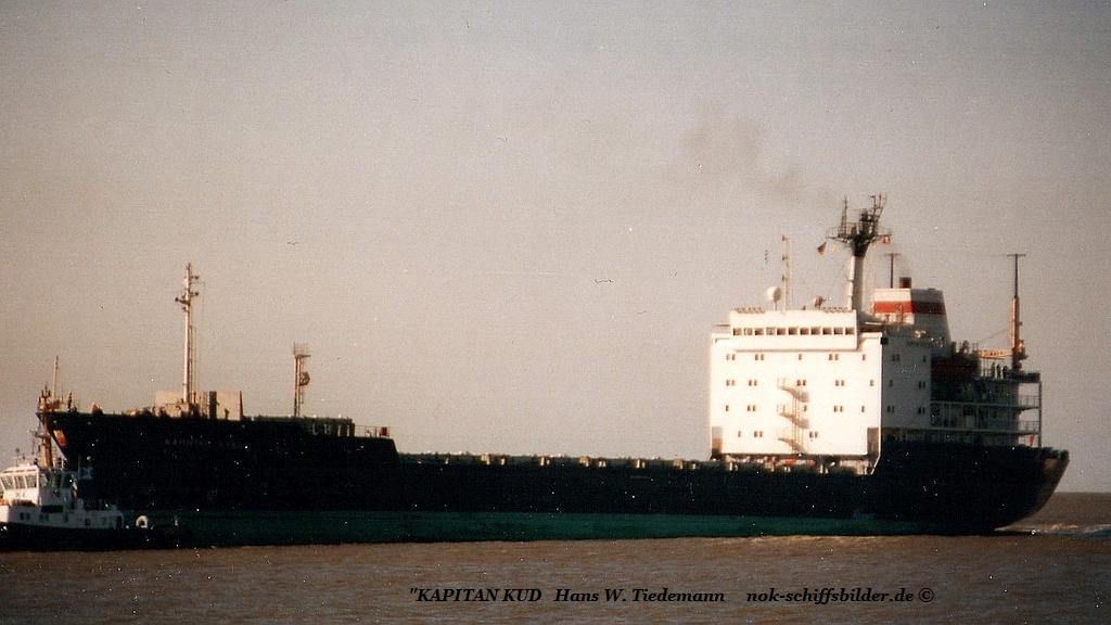 Kapitan Kud, USSR, -88, 9.548 gt - 03.10.89 Bhv.jpg