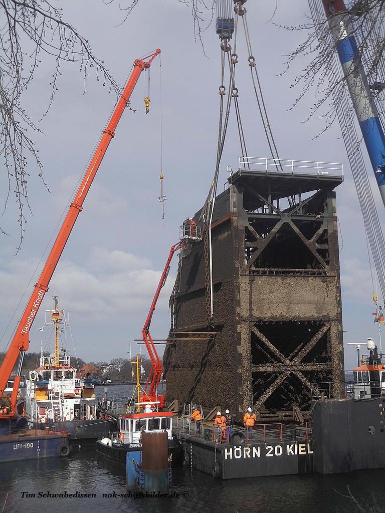 Schleusentor-Bergung in Kiel-der zweite Akt