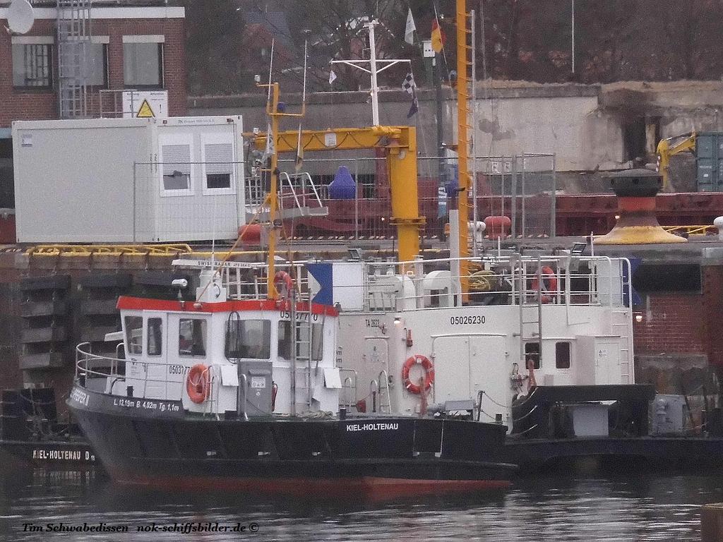 Vorbereitungen für den Einbau des Ersatz-Schleusentores in Kiel-Holtenau haben begonnen