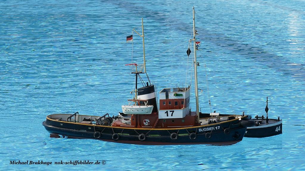 BUGSIER 17  mit Barge 44