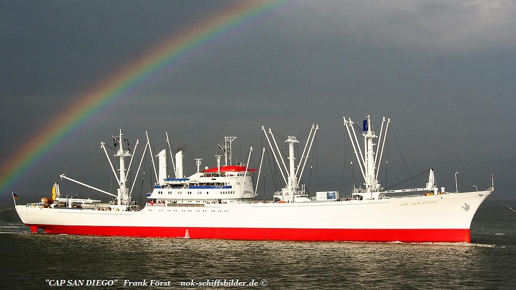 Cap San Diego (090711-19) Cuxhaven.jpg