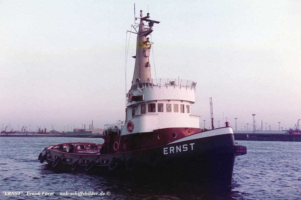 Ernst (84) Elbe HH.jpg