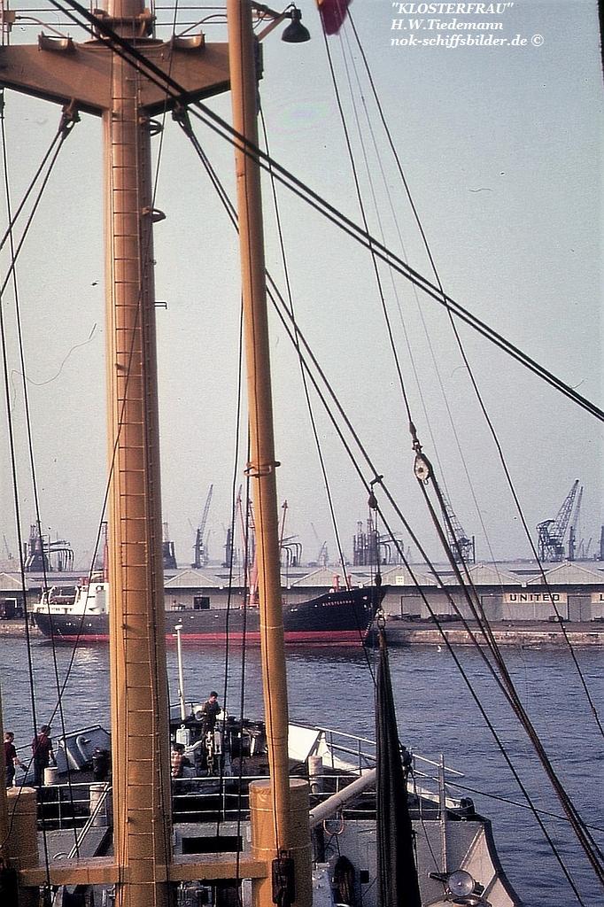 Klosterfrau, DG 'Neptun' - 1967 Antwerpen.jpg