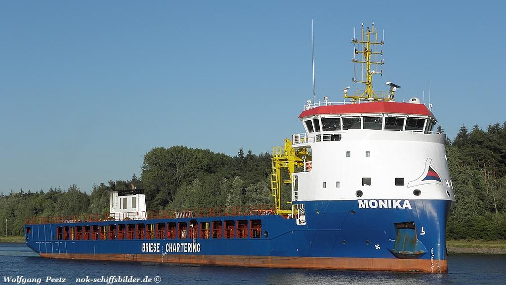 Monika (WP-080718-2).jpg