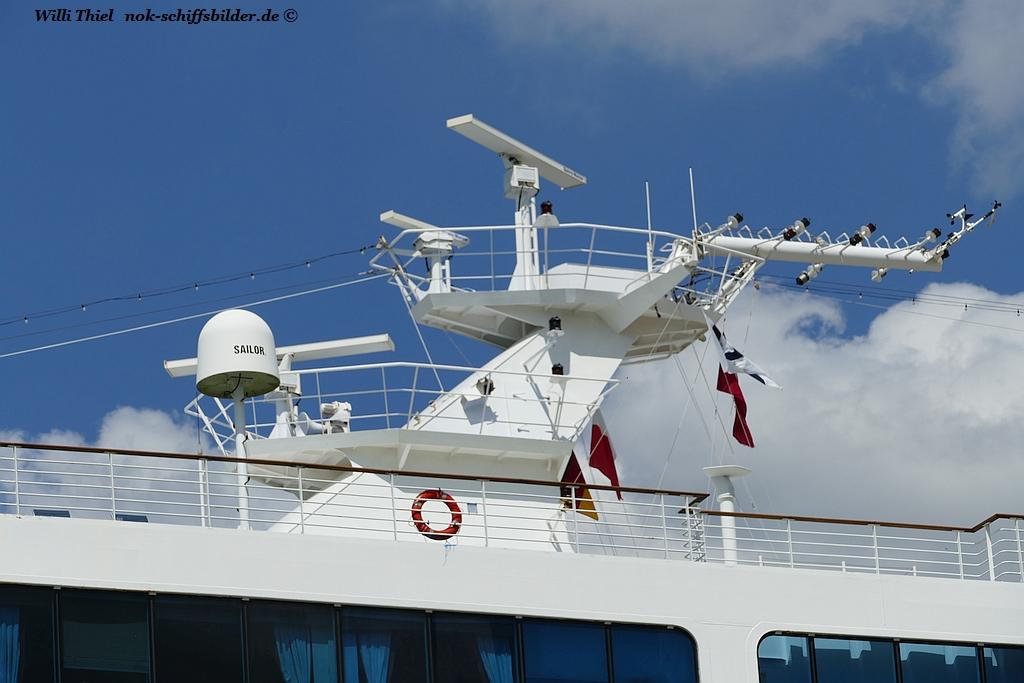 PACIFIC PRINCESS -Klappbarer mast