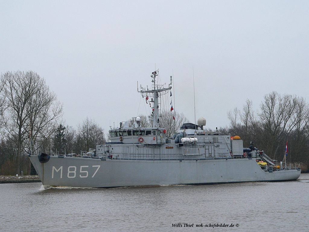 Makkum M-857