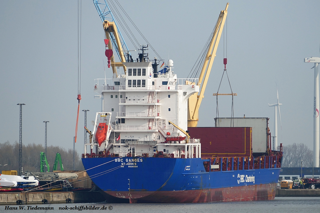 BBC Ganges, ATG - Bhv Nordhafen 12.04.18.jpg