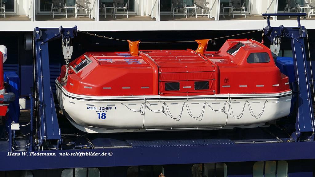 MEIN SCHIFF 1- Rettungsboot Nr. 18