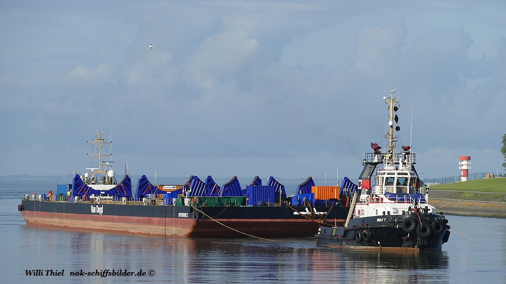WULF 7 und  WULF 4  with Barge OFFSHORE 2