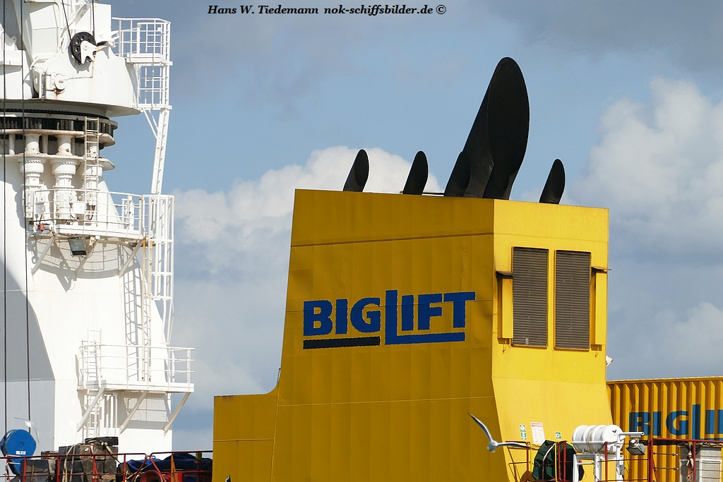 HAPPY SKY  -BIGLIFT HOLDING BV