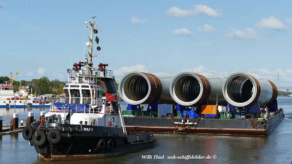 WULF 7 und  WULF 4   with Barge OFFSHORE 1