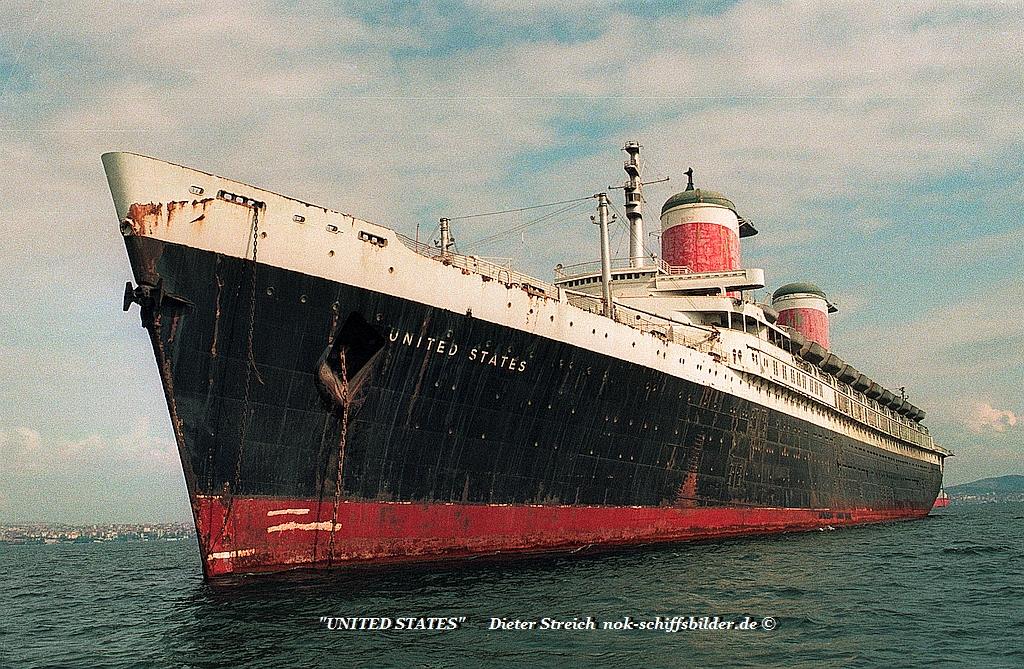 United States   IMO 5373476 in der Bucht von Tuzla- Istanbul 15.10.1993.jpg