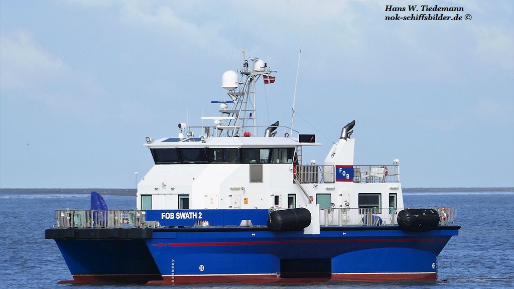 FOB Swath 2, DIS, -12, 243 gt, ex Sea Breeze-16.jpg