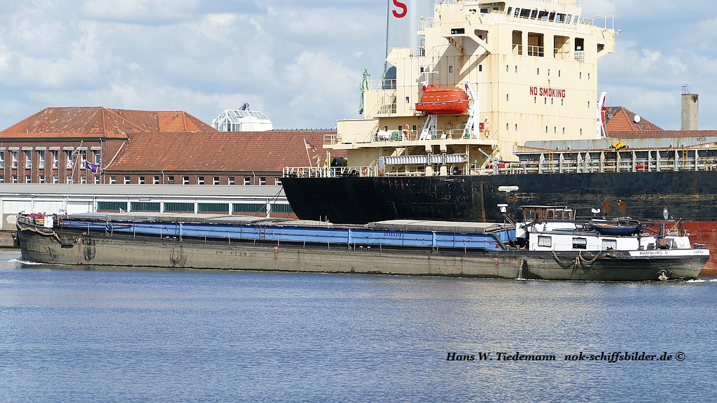 Hanka, Hamburg, MMSI 211077109 - Bhv F'hafen.jpg