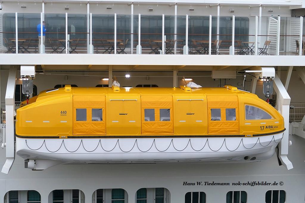 AIDANOVA  -  Rettungsboot