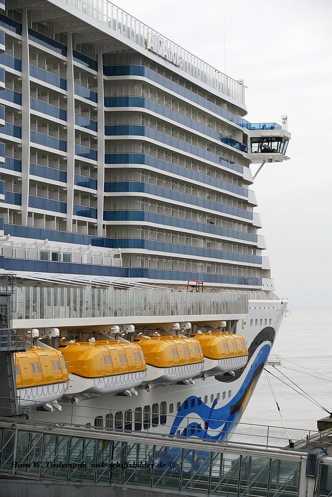AIDANOVA  -  Vorschiff