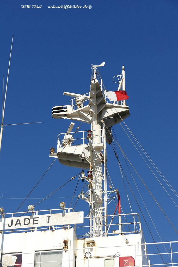 JADE 1  Mast