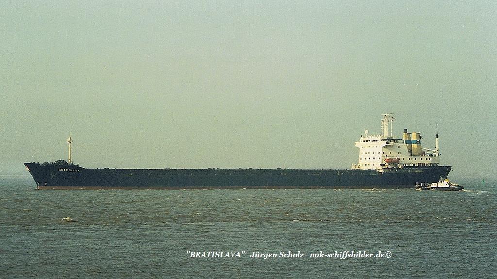 BRATISLAVA  Weser Bremerhaven 24.02.1990.jpg